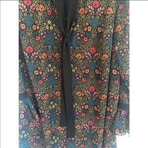 H&M Plus fall floral ruffle cuff necktie top
